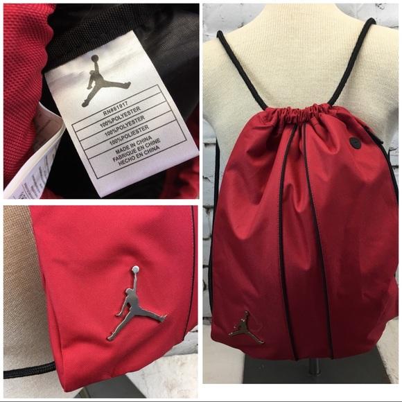 15065e7c3f28 Nike Air Jordan red drawstring gym bag. M 5b11a7c9819e909c542488a6